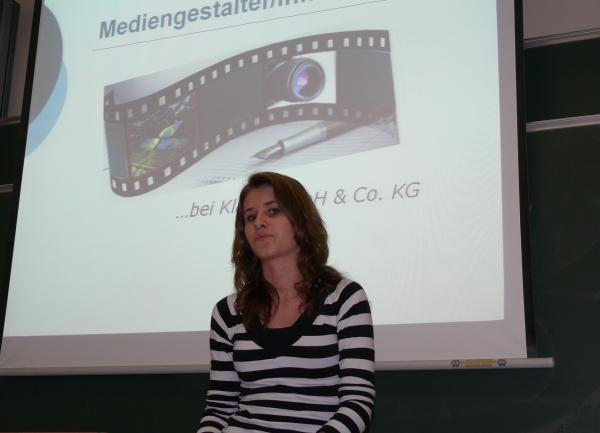 Rebecca berichtet über ihr Praktikum als Mediengestalterin bei Klaes in Ahrweiler - © Ralf Breuer