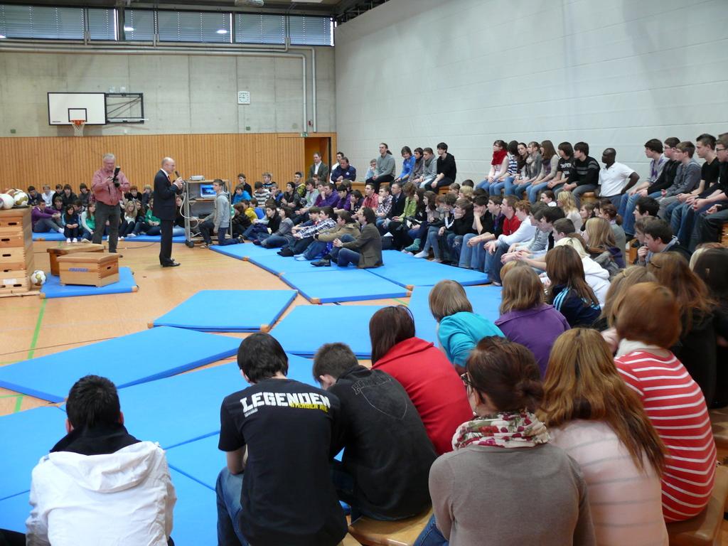 Ca. 140 Schüler folgten den Ausführungen Lemkes